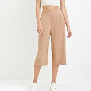 🤩2 for $60🤩 Forever21 tan culottes
